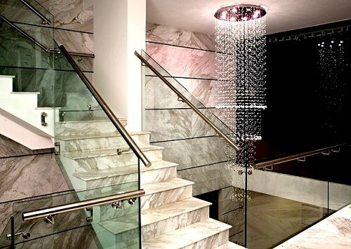 Gạch ốp cầu thang Bạch Mã – Điểm nhấn hoàn hảo cho ngôi nhà bạn