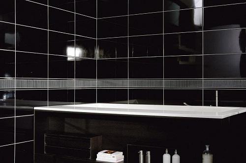 gạch ốp tường màu đen đầy ấn tượng